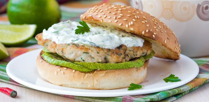 Tandoori Chicken Sliders with Cucumber Yogurt Sauce | W Network