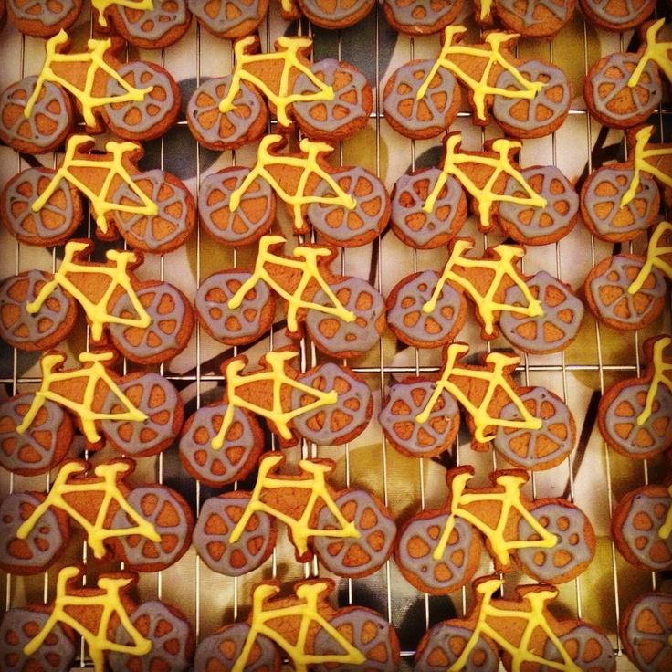 Bicycle gingerbread | Round round baby, round round | Pinterest