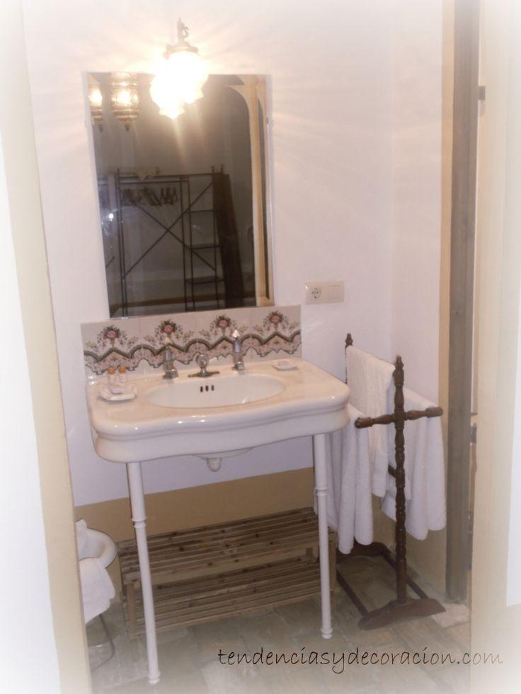 Pin by grupo apacar on ba o bathroom pinterest for Decoracion casa estilo andaluz