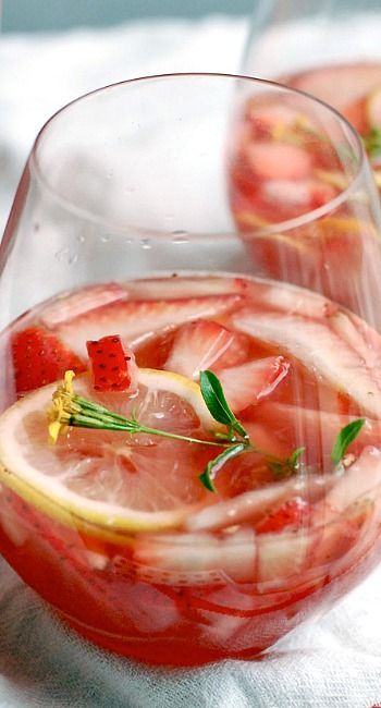 Sparkling Strawberry Rosé Sangria | Cocktails | Pinterest