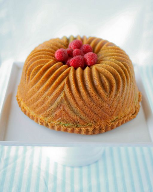 Pistachio Pound Cake. @Virna Mendoza doesn't this remind you of ...