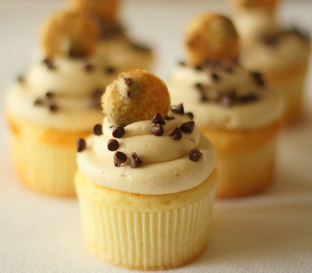Chocolate Chip Cookie Dough Cupcakes | Cupcakes | Pinterest