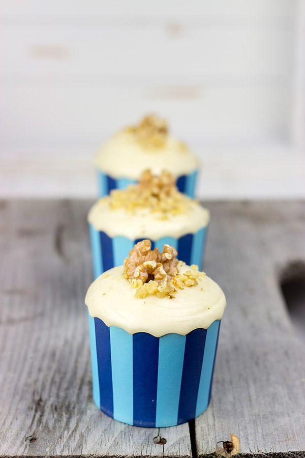Maple Walnut Cupcakes | Spicedblog.com