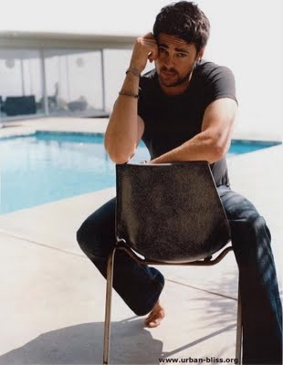 Karl Urban is-it-hot-in-here-or-is-it-just-me