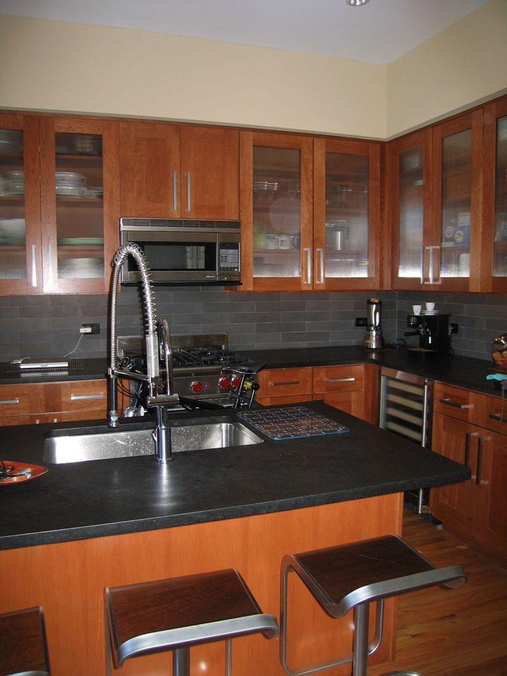 chicago-condo-kitchen