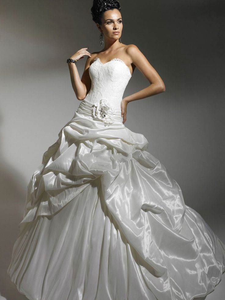 Ball Gown Wedding Dress Material : Ball gown wedding dresses fabric tiered dress with bow tie