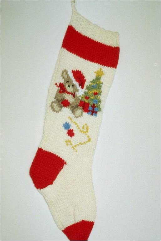 Knitted Christmas Stocking Patterns Personalized : Pin by Kelly Borger on things to knit or crochet Pinterest