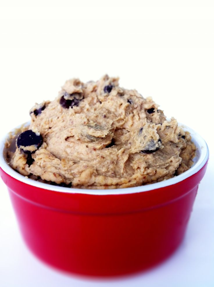 Healthy chocolate chip cookie dip!! Seriously?? Made with.....get this ...