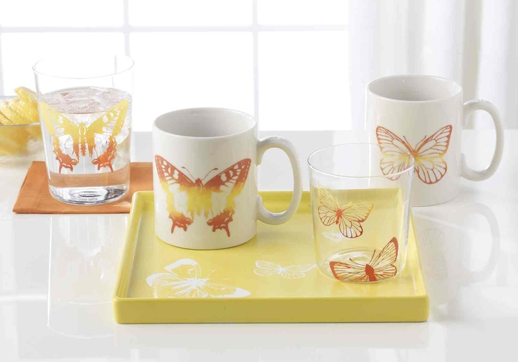 Give a handmade set of glasses and mugs to the mom who loves to entertain. #marthastewartcrafts #mothersday