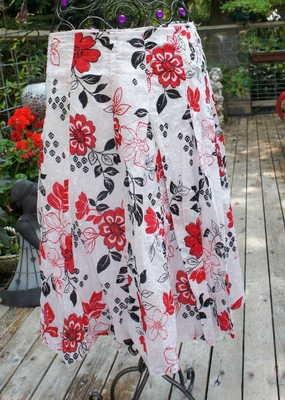 JKLA California Skirt Red black and White full length skirt Beautiful