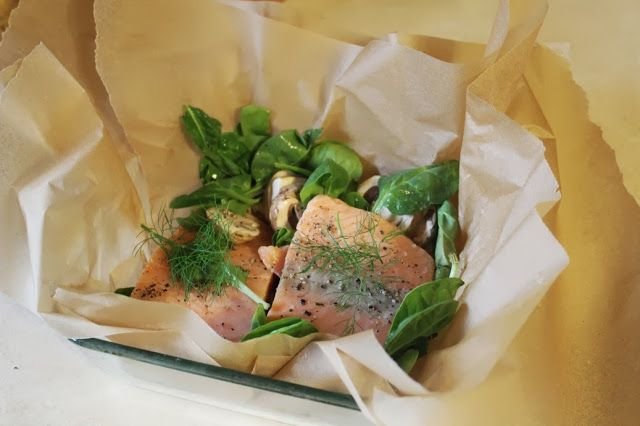 Parchment Salmon with Mushrooms and Spinach