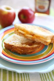 Apple-Cinnamon Grilled Cheese Sandwiches | Food | Pinterest