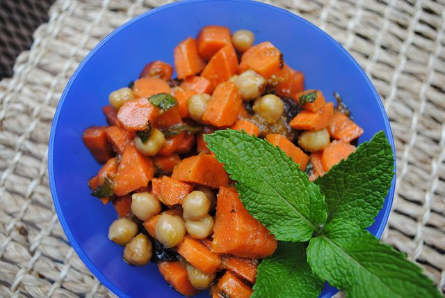 moroccan carrot and chickpea salad | Pamplemousse | Pinterest