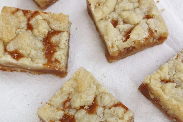 Salted caramel butter bars | Desserts | Pinterest