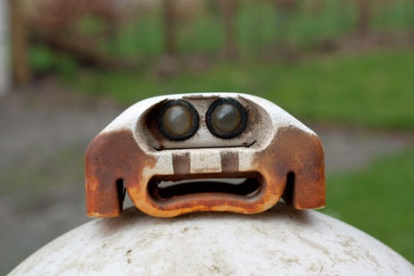 A great article about finding faces in everyday objects!