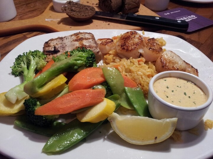 outback steakhouse memorial day discounts