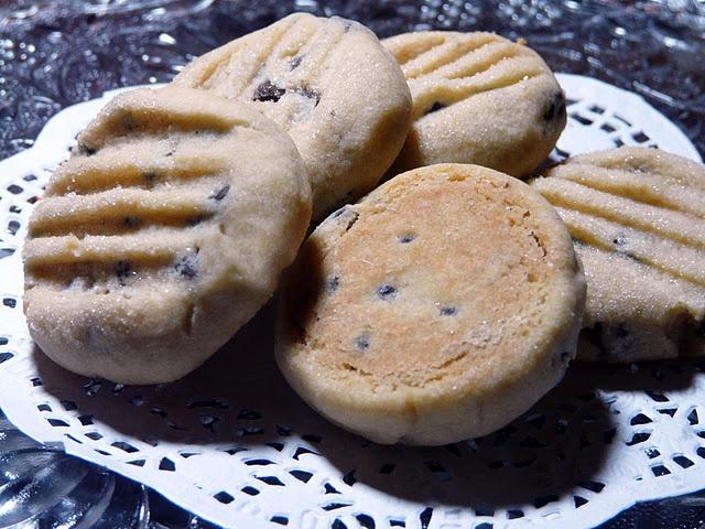 Chocolate Chip Shortbread Cookies   Cookies   Pinterest