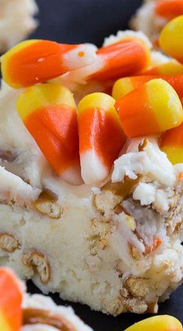 Candy Corn Fudge : spicysouthernkitchen #diyHalloweenCandy #fudge