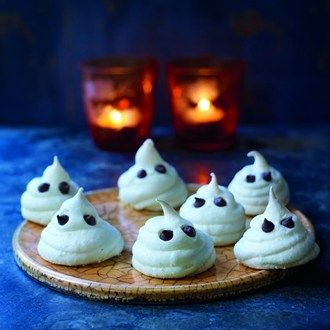 Ghost Meringues | Halloween and thanksgiving ideas! | Pinterest
