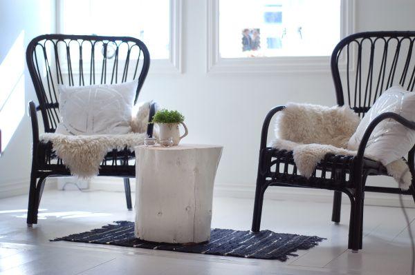 Trestubbe som bord (Sophies verden) | inside houses | Pinterest: pinterest.com/pin/346777240028430165