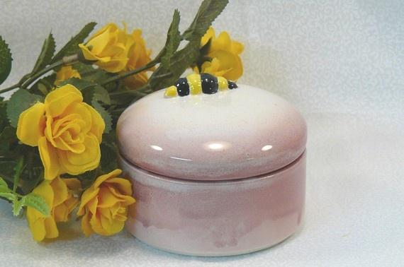 Ceramic Bee Keepsake Box @Michelle Brungardt Weigel #dteam