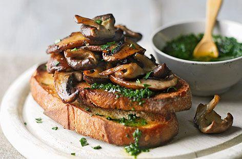 Garlic mushroom bruschetta with pesto | Recipe
