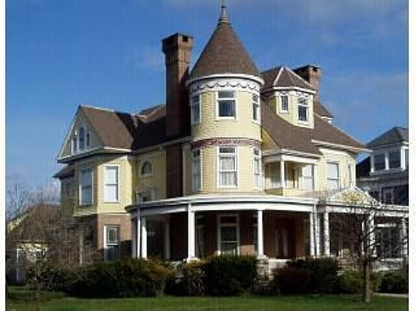 1895 Queen Anne Berwick PA 269 900 Old House Dreams