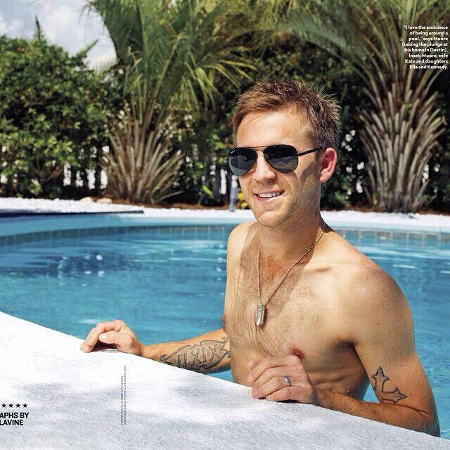 Justin Moore shirtless <3