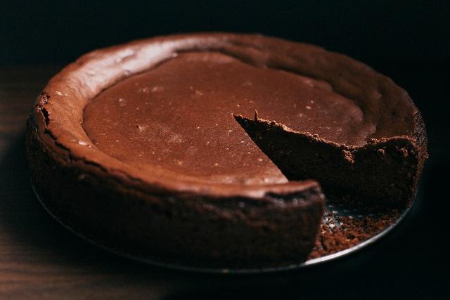 Guinness Chocolate Cheesecake | The Baking Bird Note: I dislike ...