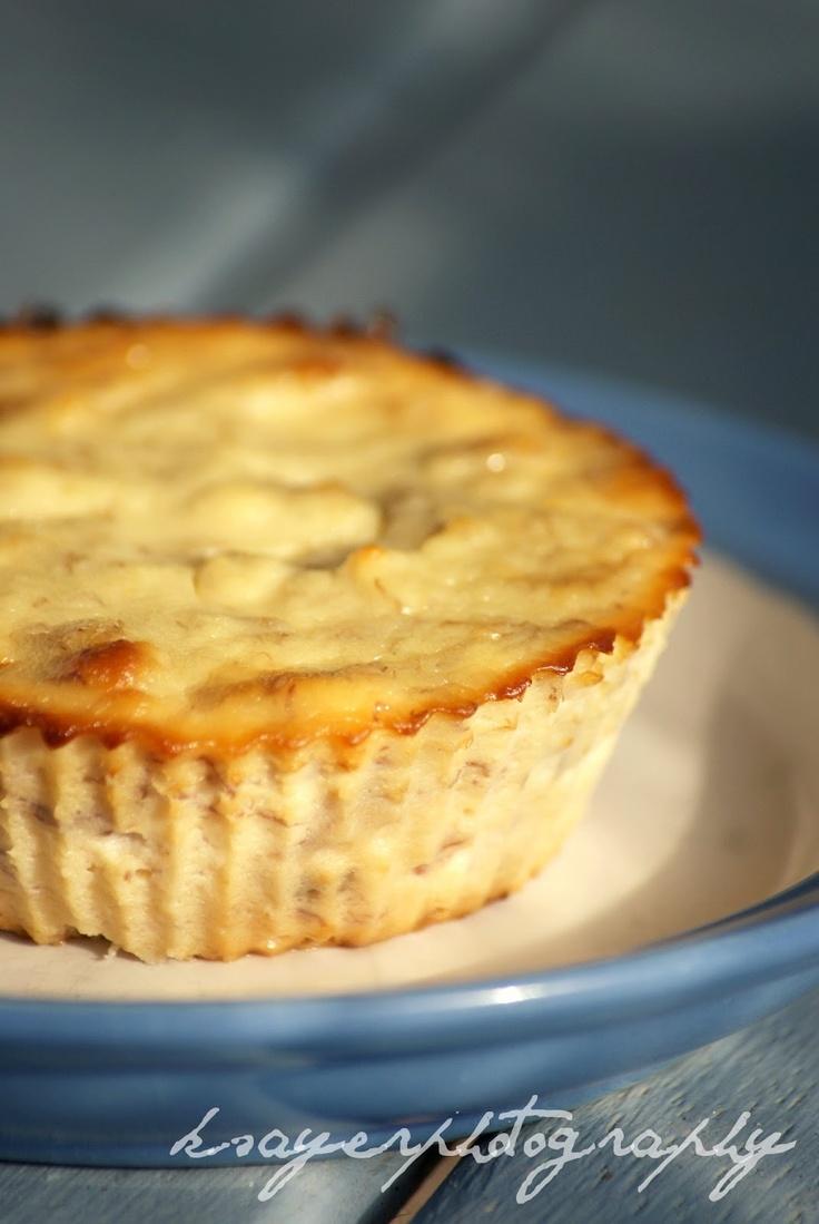 Healthy(er) ricotta and banana cheesecake! Just Ricotta, a mashed banana and an egg.