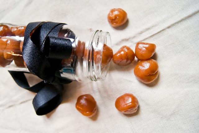 Kitchen Historic: Honey Balls (1911)   3 ingredient candy!