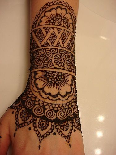 foto 30 Best Bangle Mehndi Designs To Inspire You