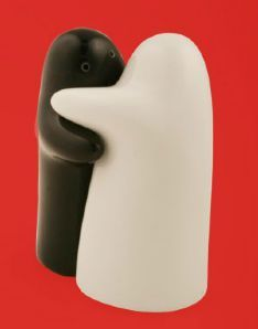 Hug Salt & Pepper Shakers - designer Albert Mantilla (Mint Inc studio) - Silver Prize, Industrial Design Excellence Awards (IDEA) 2003. $48 Inspiración en Diseño Industrial - Diseños Industriales de Alto Impacto Publicado en Blog Diseño Industrial http://www.dweb3d.com/blog/diseno-industrial/inspiracion-en-diseno-industrial-disenos-industriales-de-alto-impacto.html #industrialDesign