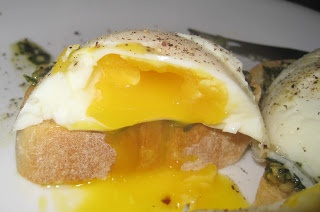 Pesto Poached Eggs | Food I've made - yum! | Pinterest