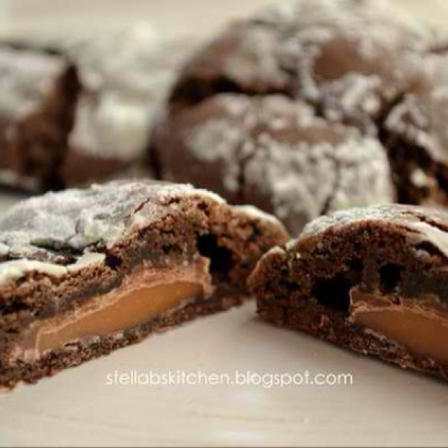 Rolo cookies traceysculinaryadventures.blogspot.com/2013/01/gooey ...