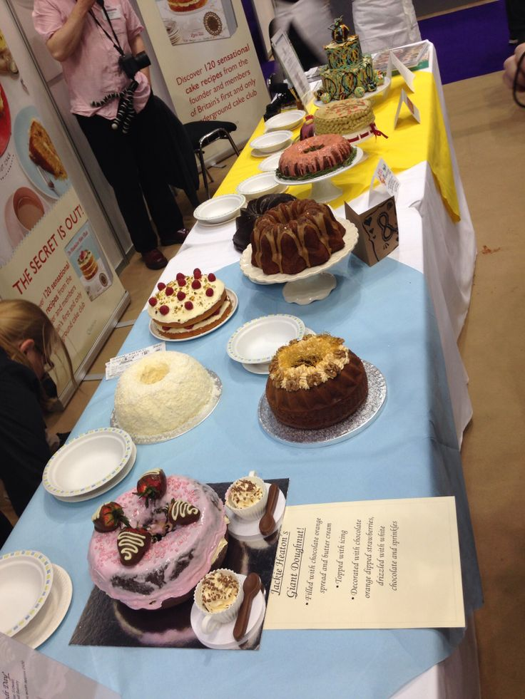 Competition cakes