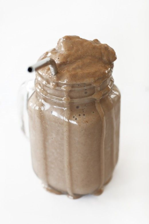 Tastes like a Chocolate Frosty, but it's healthy! 1 cup unsweetened almond milk, 1 frozen banana, 1 Tbsp cocoa powder, 1 tsp vanilla, 1/2 tsp chia seeds, 8-10 ice cubes