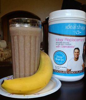 IdealShape Chocolate Banana Smoothie: 1 Scoop Chocolate Shake Mix, 8 oz. Skim Milk (Almond Milk or Water), 1/2 banana, Ice Cubes