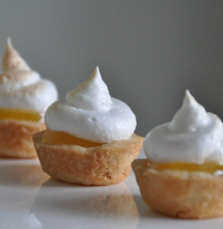 Mini Meringue Lemon Pie Bites | Hand Pies & Mini Pies | Pinterest