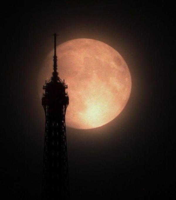 Supermoon by Eiffel Tower