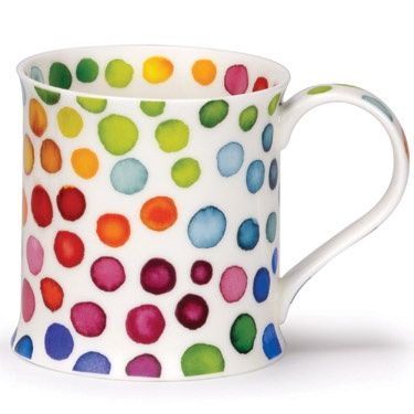 I think I will make a trip to the dollar store, get a bunch of white mugs, and paint them like this with my kids. We'll all love it! I have a kit if color paints made for this purpose from Martha Stewart.