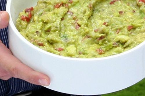 Light Tomatillo Guacamole | Appetizers/Dips/Snacks | Pinterest