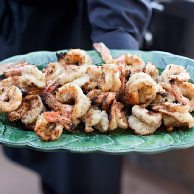 Grilled breaded shrimp with garlic and olive oil
