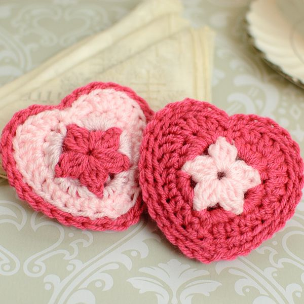 Free Crochet Pattern A Day : Crochet Heart Sachet Pattern