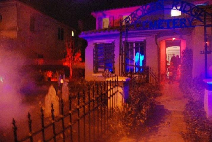 halloween haunted yards photos