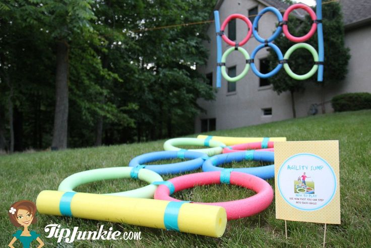 18 outdoor activities with kids party game signs for Good backyard games
