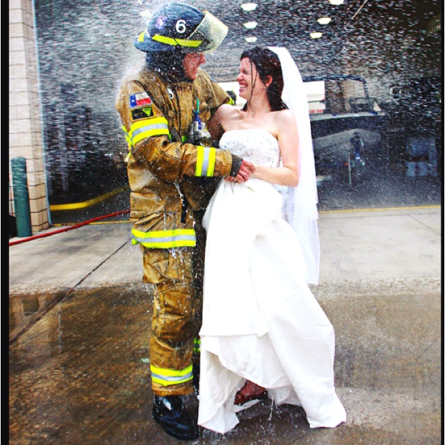 Firefighter Wedding: I DO I DO Photo Ideas