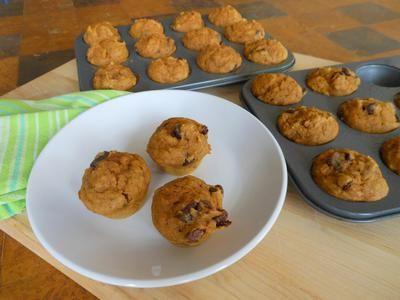 chocolate chip pumpkin muffins - 69 calories per muffin!!