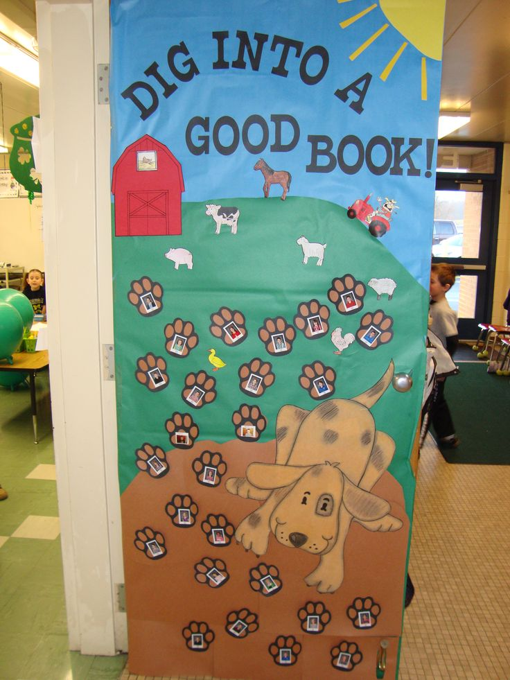 Farm door decorations ahhh books pinterest for Farm door ideas