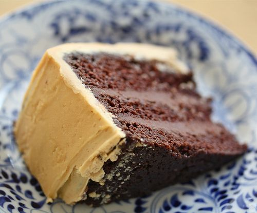 The Tuesday Treat: Chocolate Cake w. Salted Caramel Buttercream | cucina nicolina